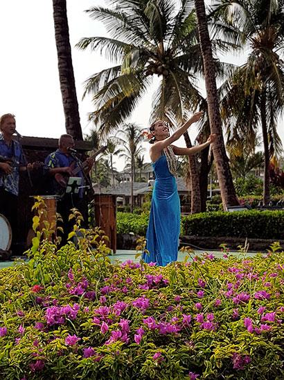 Waikoloa Beach Marriott Sunset Luau Dancer